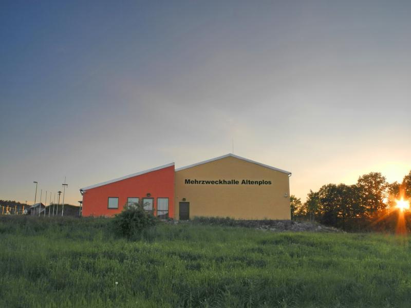 Mehrzweckhalle Altenplos Bild 1