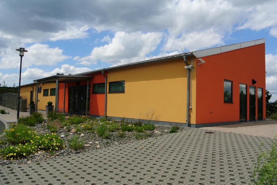 Mehrzweckhalle Altenplos Bild 6